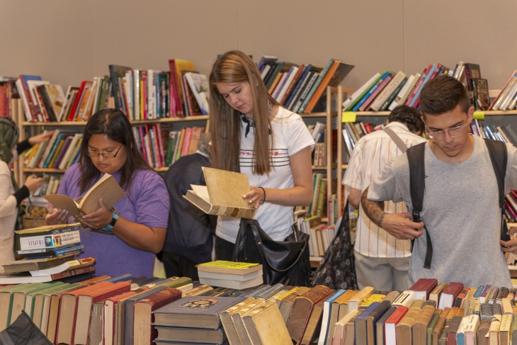 Shoppers searching for fresh reading material during the 2019 Newberry Book Fair.