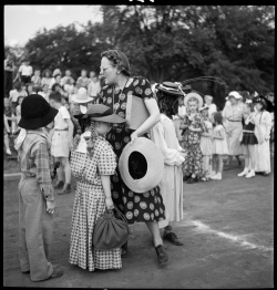 Esther Bubley. Knoxville School Parade. 1948. CB&Q Archives, Granger 2270.