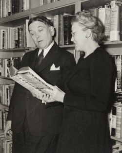 H.L. Mencken with Chicago Tribune literary editor Fanny Butcher. Midwest MS Butcher Bx. 44, Fl. #1861