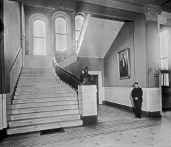 The Cobb Building Lobby in 1894. NL Archives 15 01 03, Bx. 3, Fl. #152.